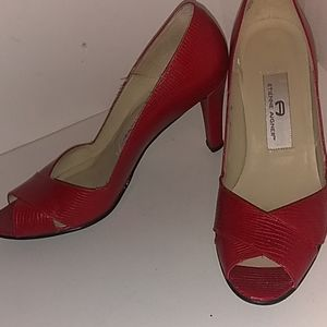 Etienne Aigner size 7 Dashing Red Beauties